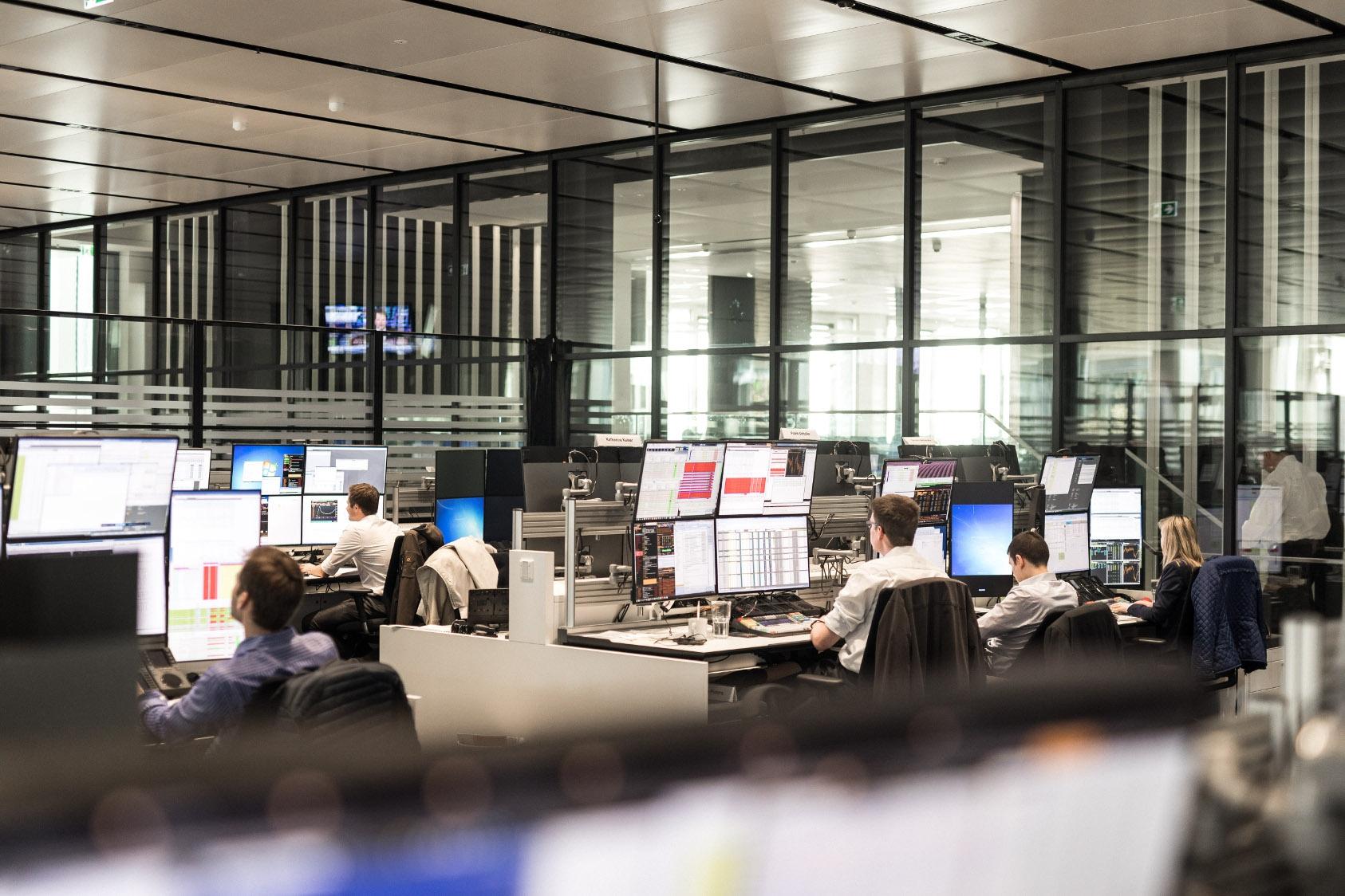 Deutsche Bank invests to support cross-border trade in Vietnam