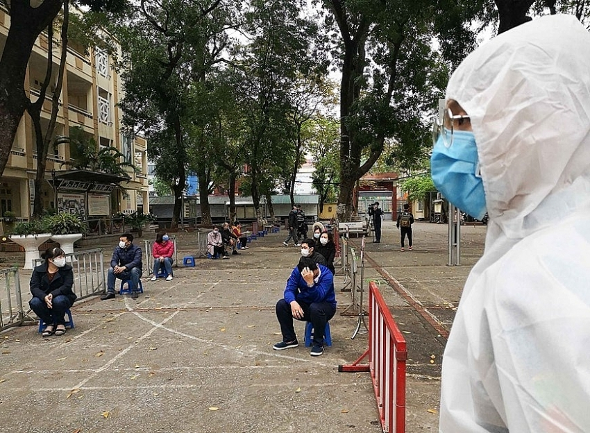 hanoi sets up 10 quick covid 19 testing stations