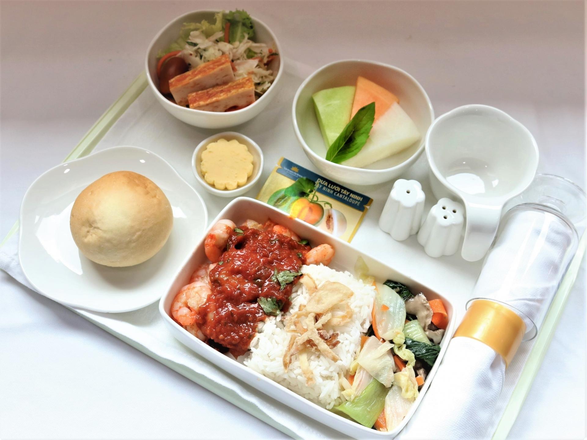 Specialty winter melon and dragon fruit on VNA in-flight menu