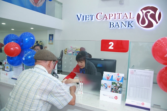 Viet Capital Bank officer receives life sentence for appropriation