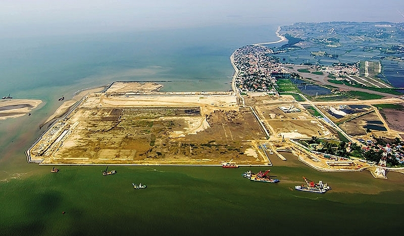 Vinalines subsidiary proposes two new terminals at Lach Huyen Port
