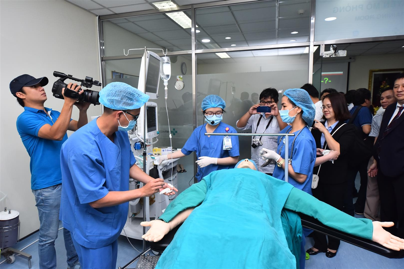 GE opens second Anesthesia and Intensive Care Simulation Center in Vietnam