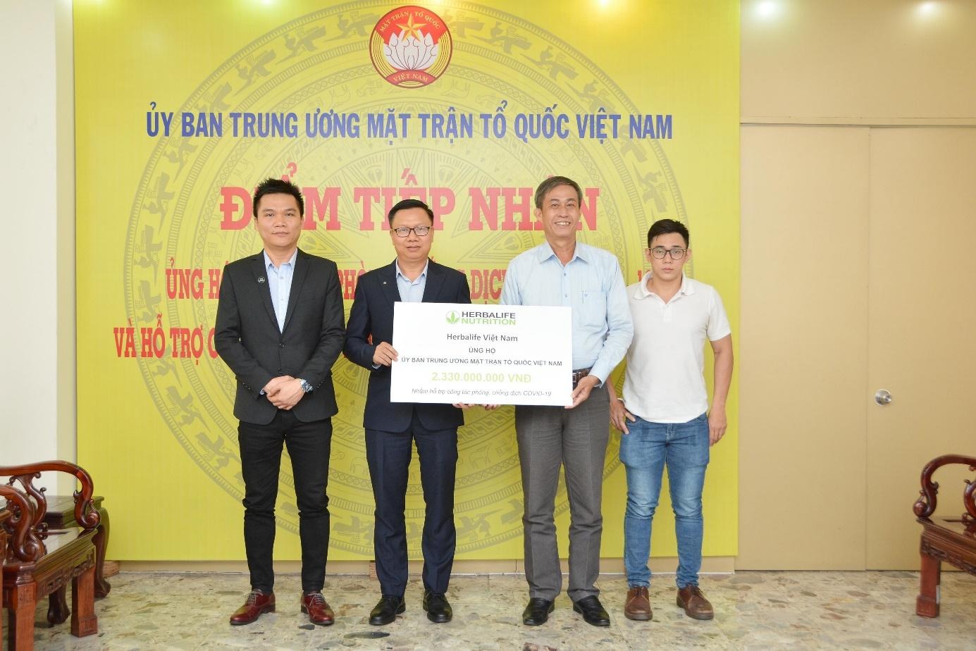 Herbalife Vietnam donates $160,000 to fight against COVID-19