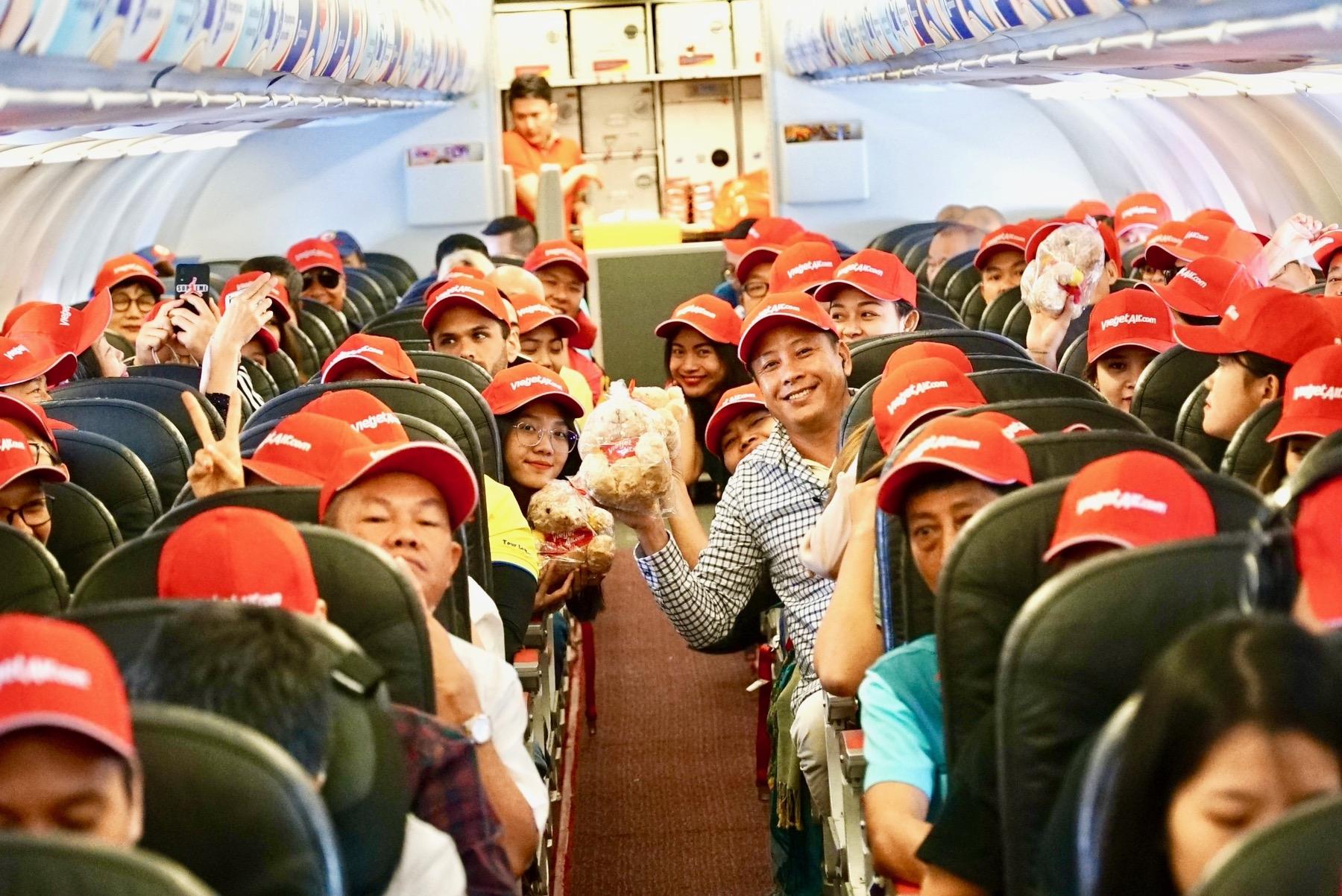 Vietjet returns to Vietnam's clear blue skies