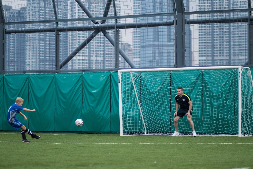 international school ho chi minh city welcomes manchester citys shay given