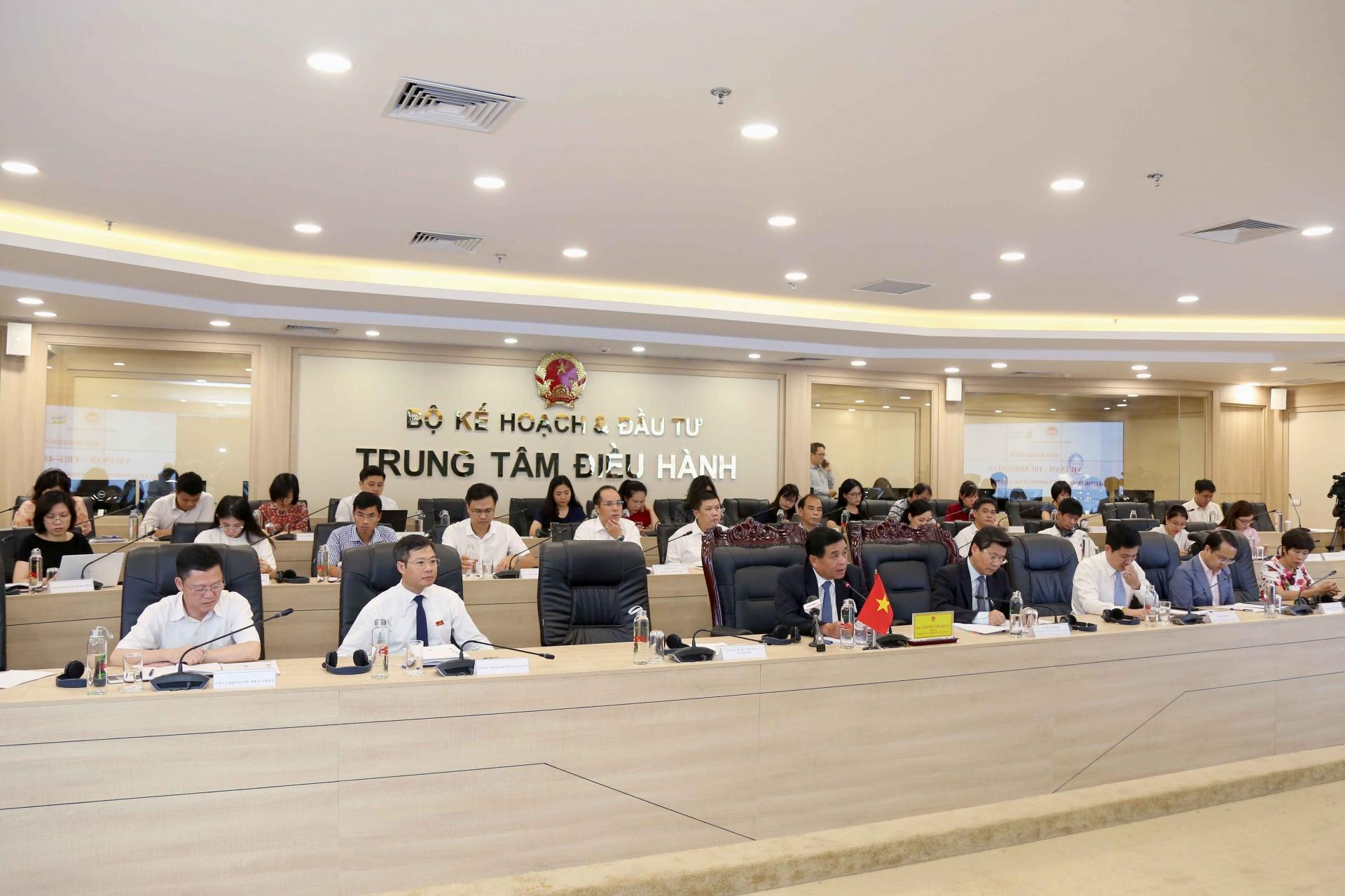 standard chartered online forum highlights vietnam as rising star in fdi