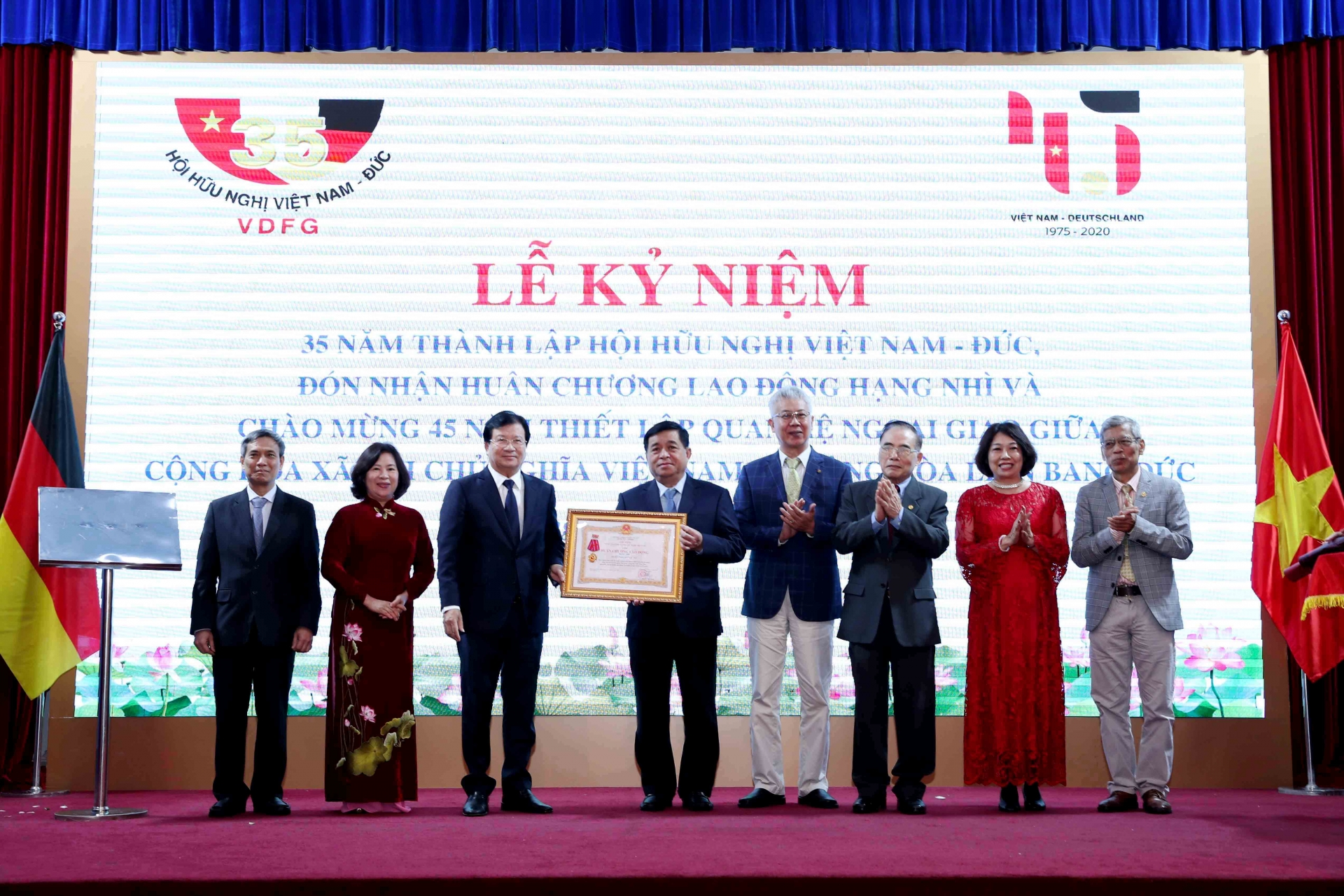 Vietnam and Germany pop champaign on 45 years of cooperation