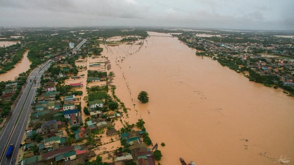 US provides Vietnam $100,000 in aid to cope with floods