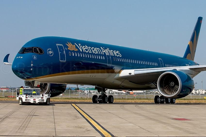 two aircrafts of vietnam airlines to sale and leaseback