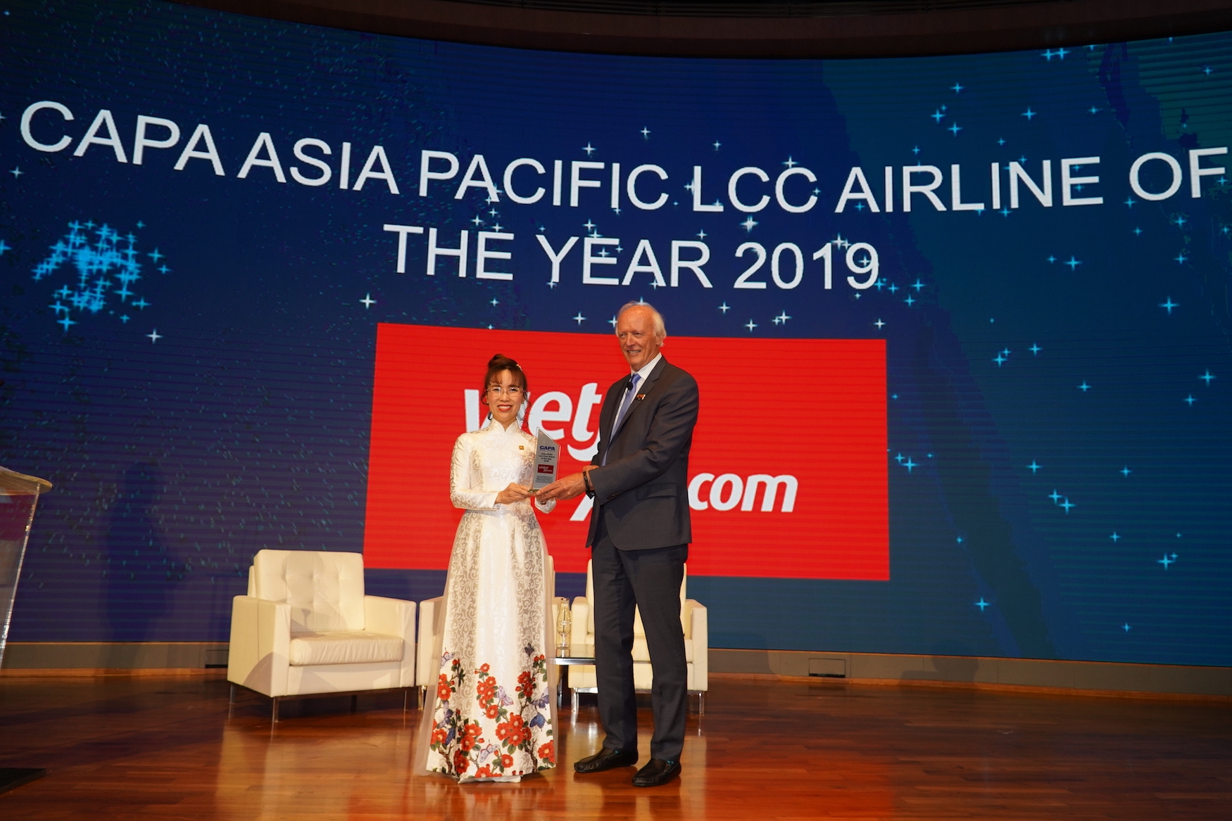 capa names vietjet asia pacific low cost airline of the year 2019