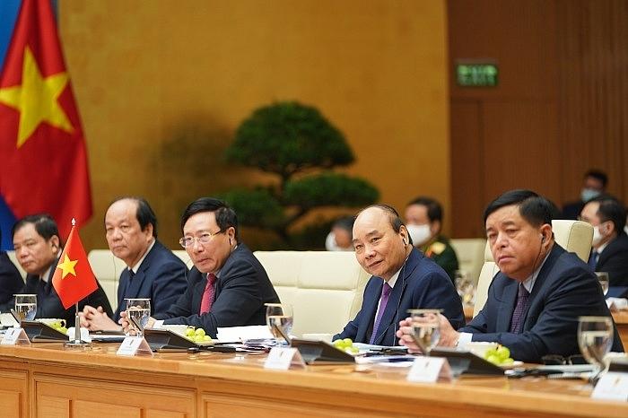 strengthening vietnam laos economic ties