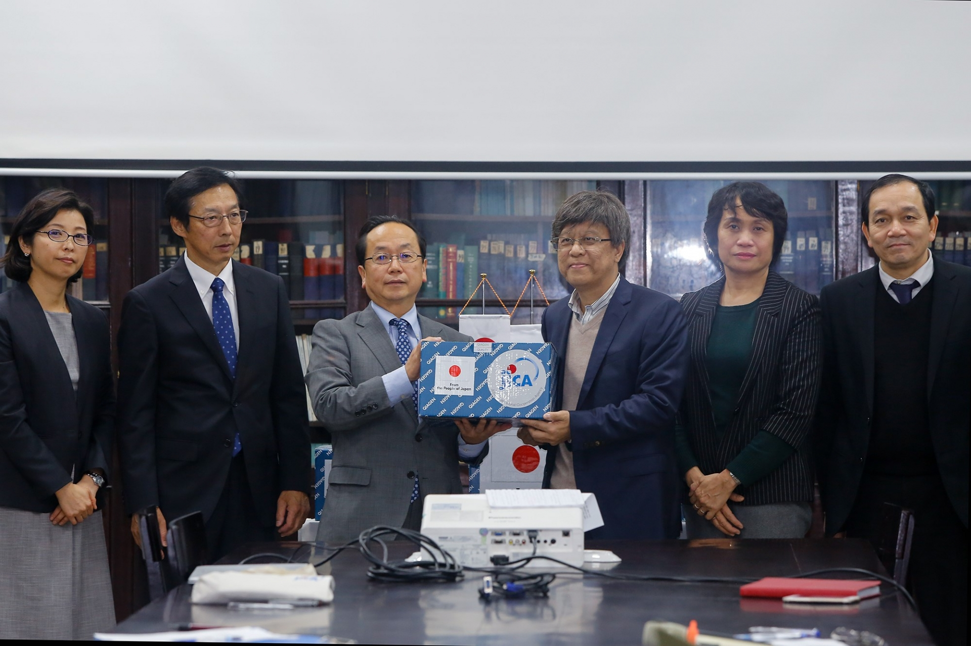 Japanese government provides emergency aid to counter nCoV in Vietnam