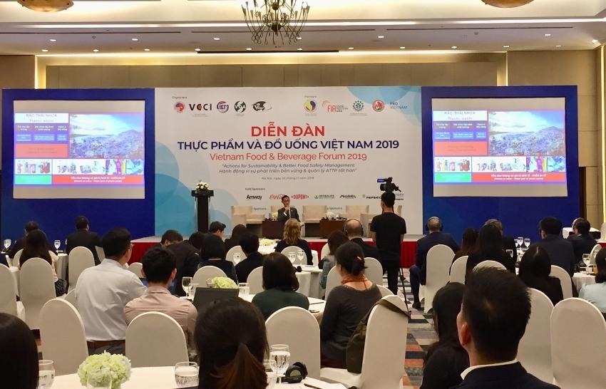 F&B enterprises in Vietnam reduce plastic for sustainable development