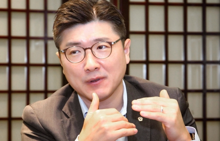 Hanwha Life Vietnam CEO: changed the way we think, work, and communicate with customers