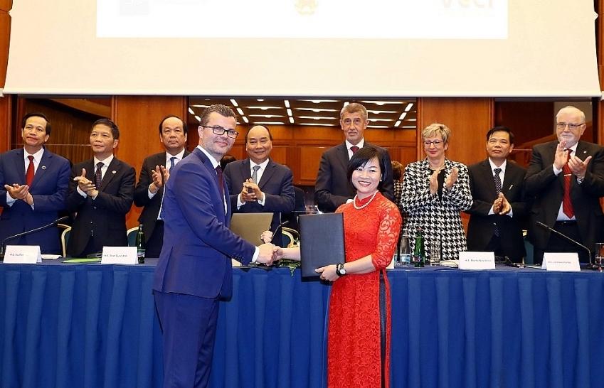 Czech PM pledges support to Bamboo Airways' Prague-Vietnam route