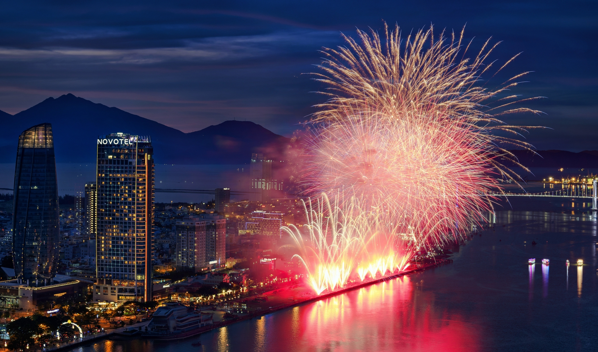 Novotel Danang - the best place in town to enjoy fireworks festival