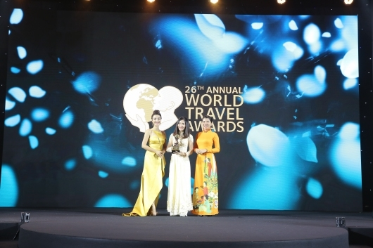 """Muong Thanh hotel wins """"Oscars"""" of travel industry"""