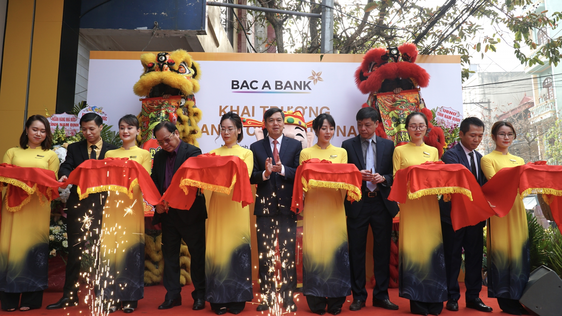 BAC A BANK launches new branch in Nam Dinh