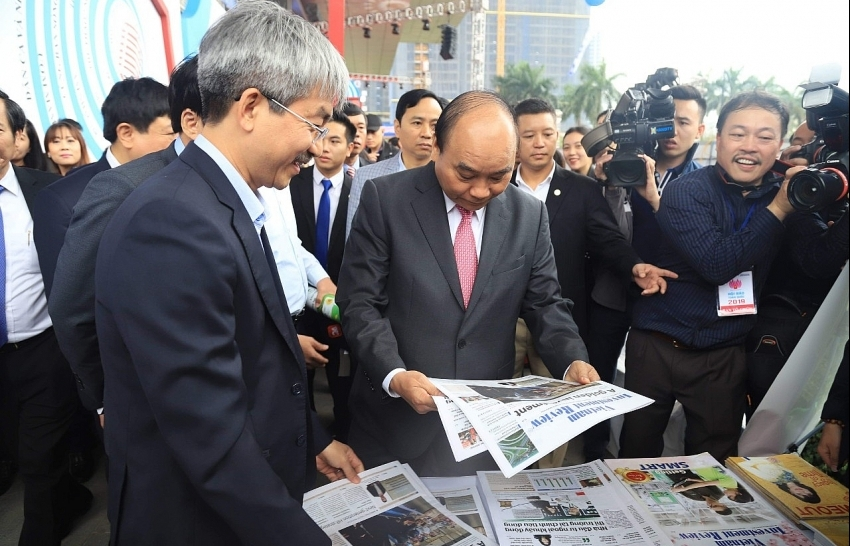 Prime Minister Nguyen Xuan Phuc visited VIR's booth at National Press Festival