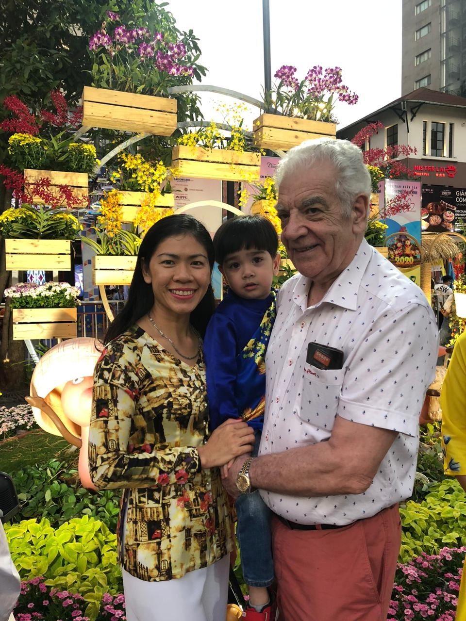 celebrating lunar new year as a foreigner calling vietnam second home