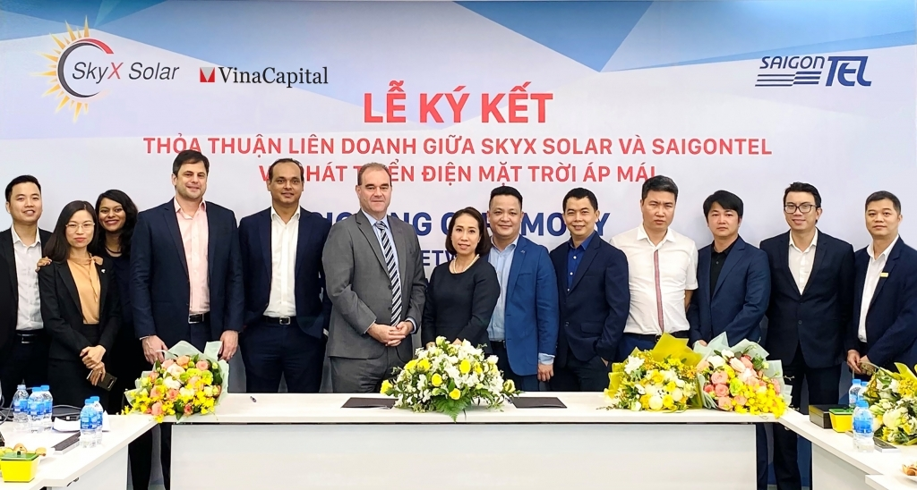 VinaCapital ties up with SAIGONTEL to develop 50MW rooftop solar power