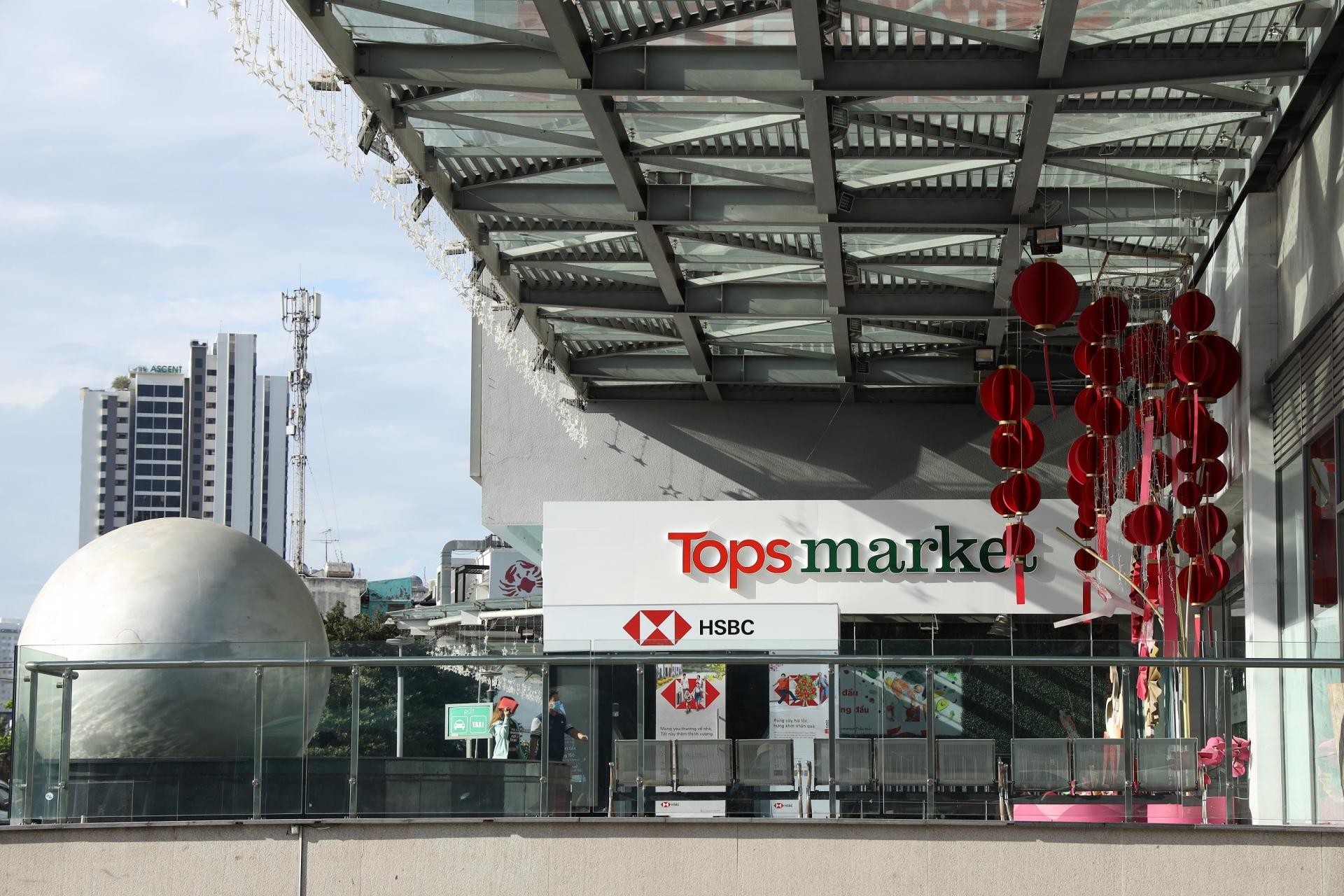 Big C renamed to GO! and Tops Market in Vietnam