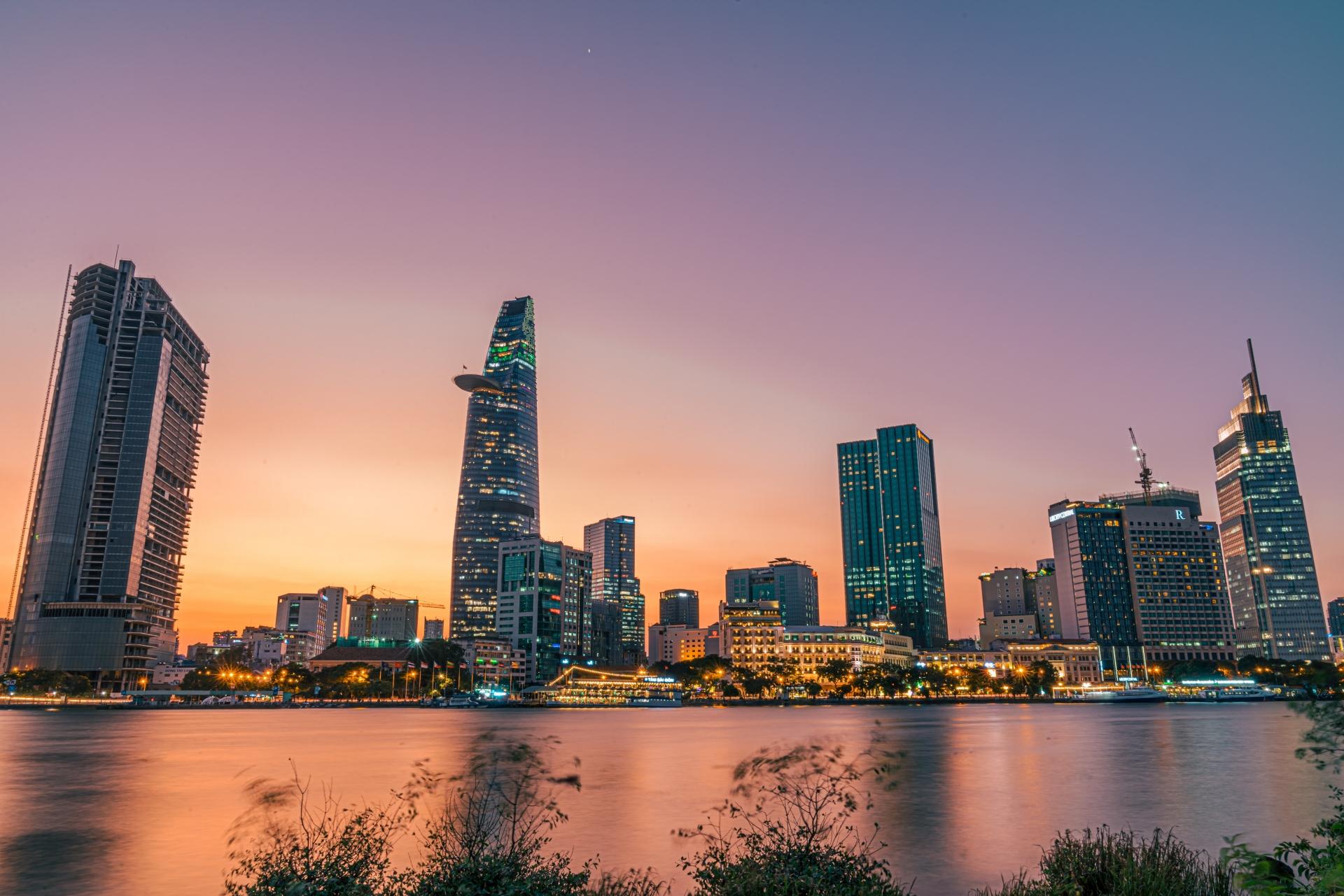 S&P Global raises Vietnam outlook to positive