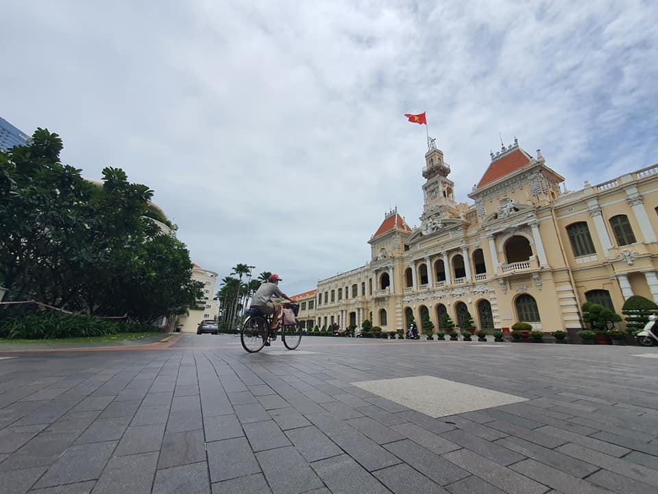 ho chi minh city maintains social distancing measures for another two weeks