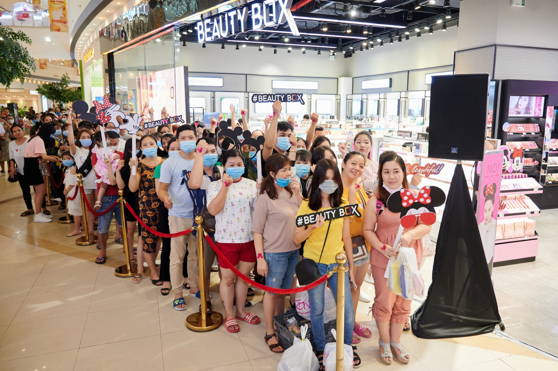 Vietnam's largest cosmetics retailer HSV Group secures investment from Mekong Capital
