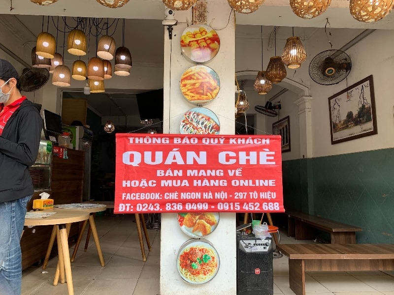 Hanoi to shut down on-site eateries and hair salons due to rising COVID-19 cases
