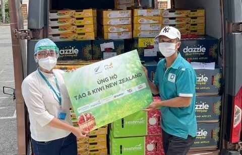 Eight hospitals and healthcare centres gifted New Zealand fruit boxes during pandemic