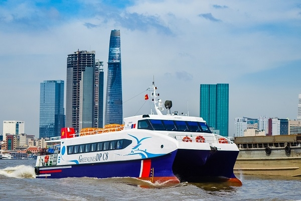 Ho Chi Minh City to use five ships to transport essential goods from Mekong Delta