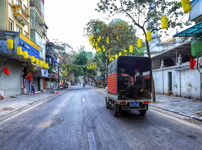 Hanoi suspends transport and businesses from July 19