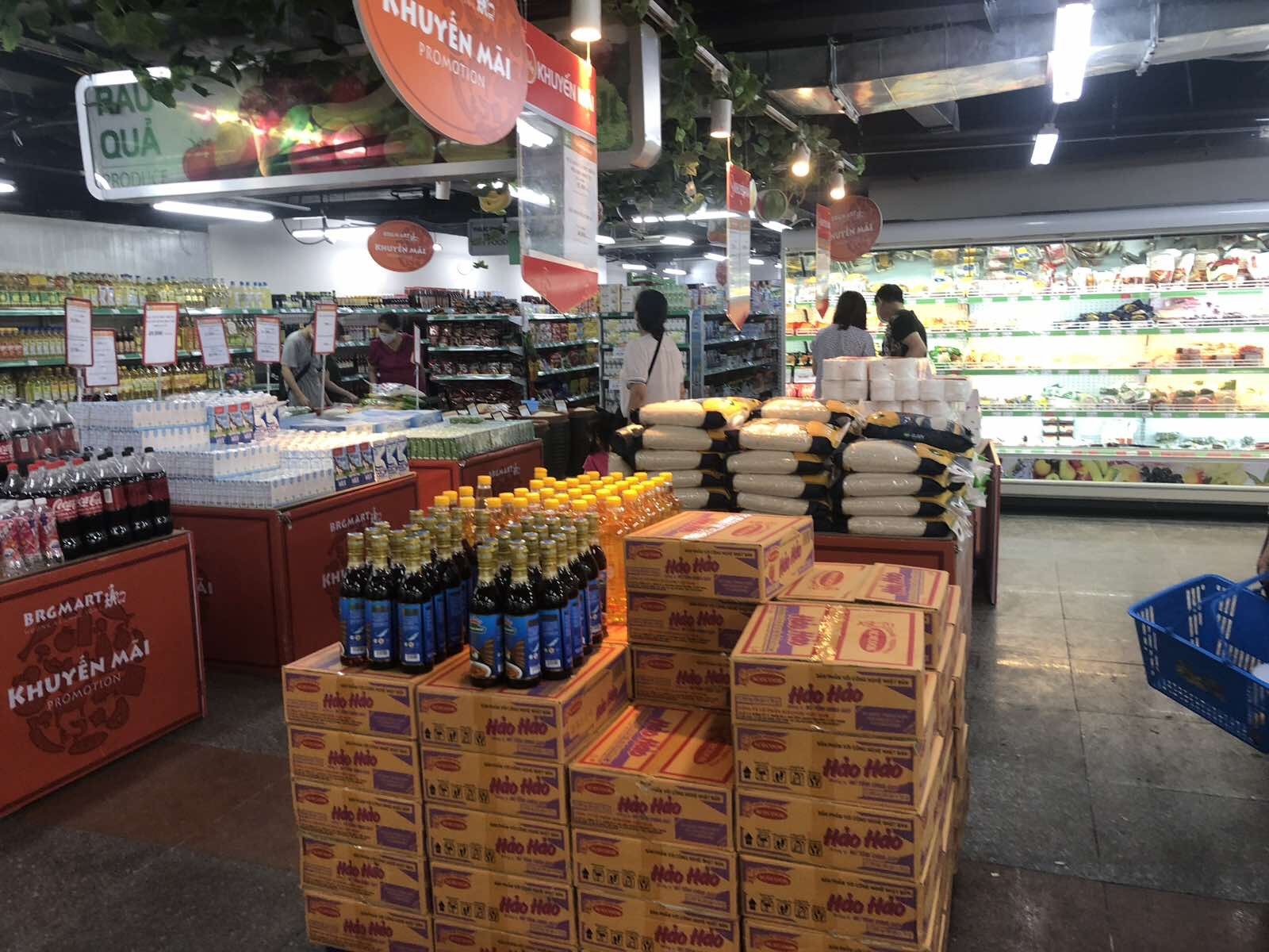 Hanoi ensures a sufficient supply of essential goods at stable prices