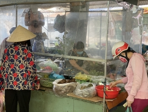 Ho Chi Minh City will reopen the traditional markets to ease the lack of fresh food