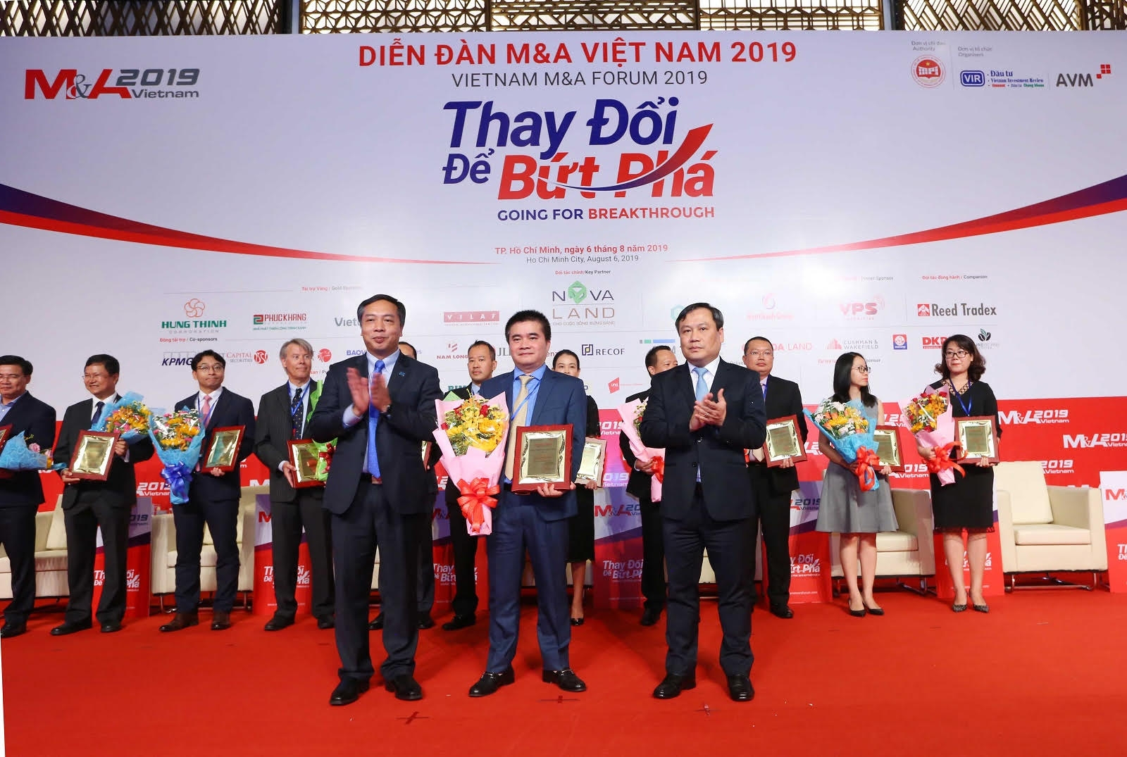 saigon hanoi securities shs honoured at vietnam ma forum 2019