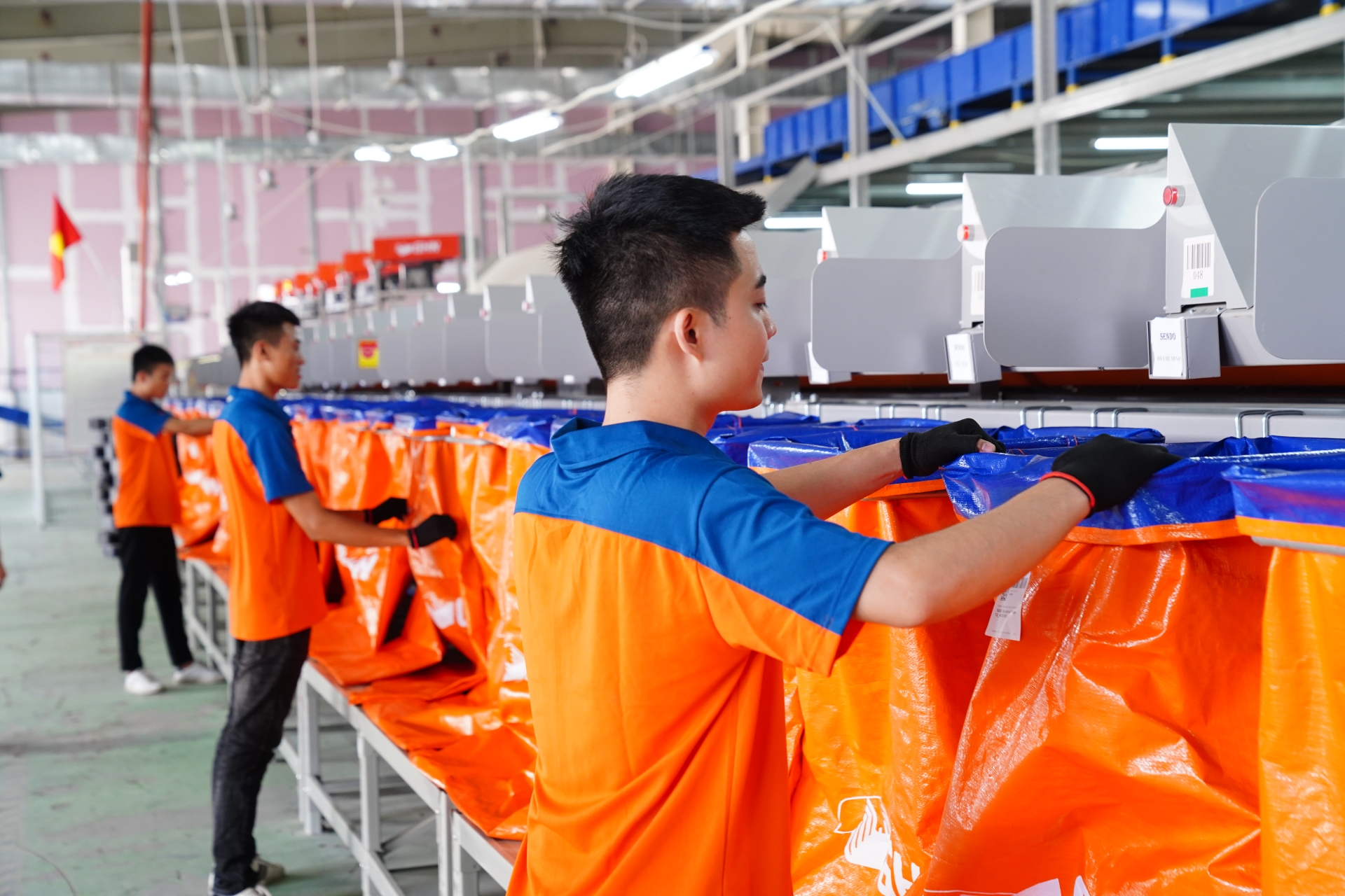 GHN launches automated sortation system in Hanoi