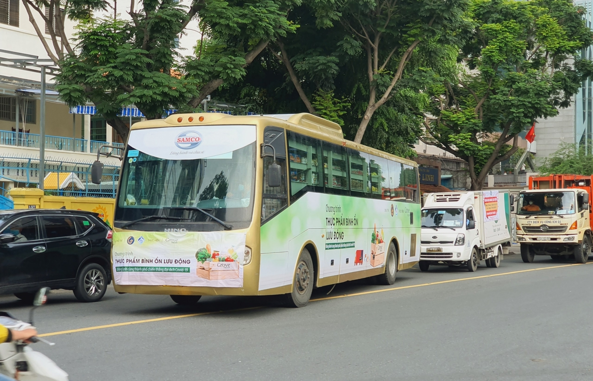 Bus converted to mini-supermarkets to sell food in Ho Chi Minh City