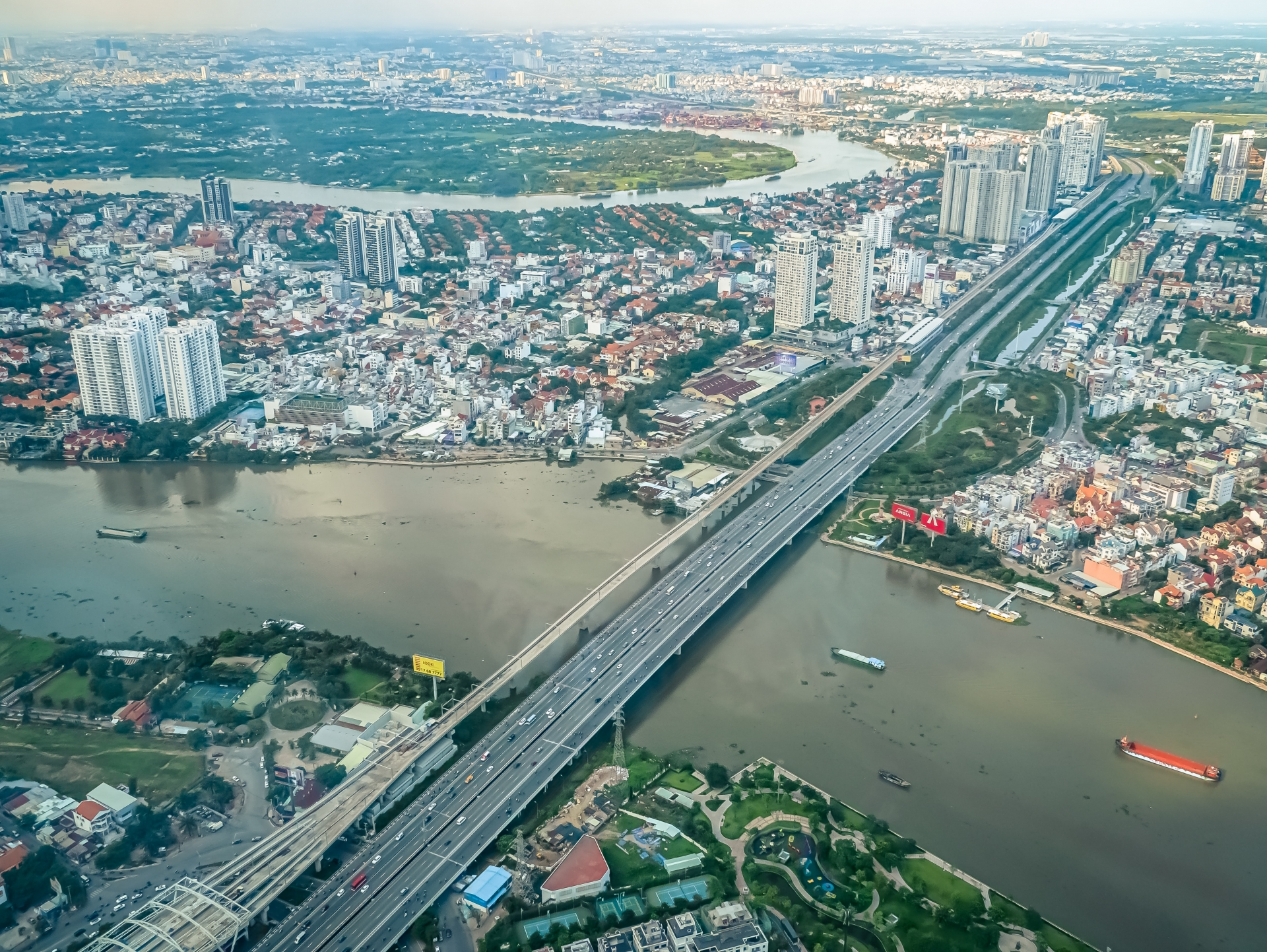 FDI inflows to Ho Chi Minh City dip over COVID-19 worries in first seven months