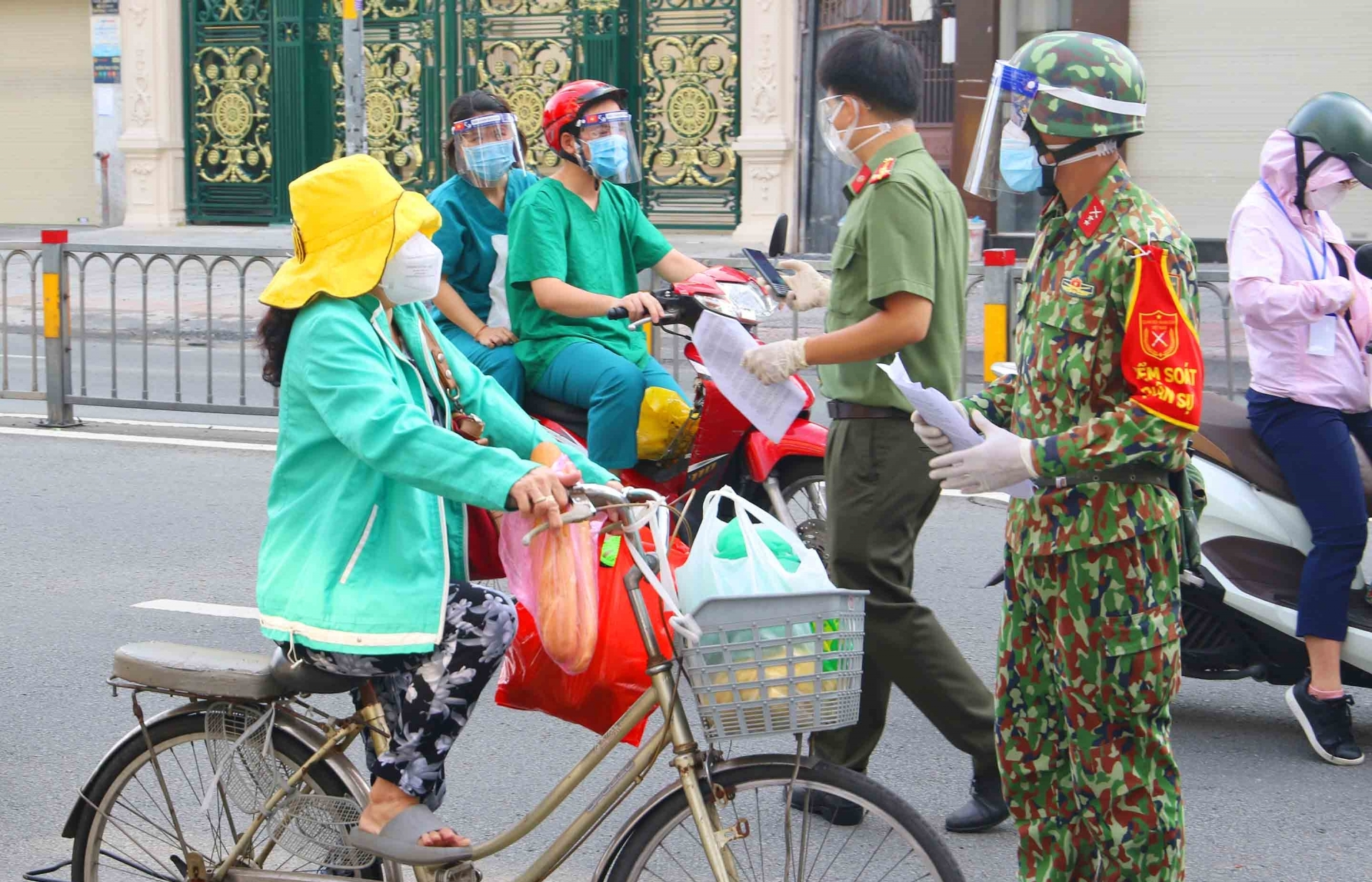 Ho Chi Minh City to gradually reopen economy as infection cases decline