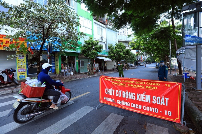 Hanoi continues social distancing until September 21