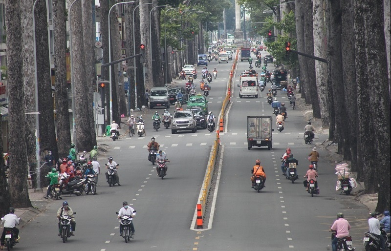 Ho Chi Minh City confirms easing social distancing after September 30
