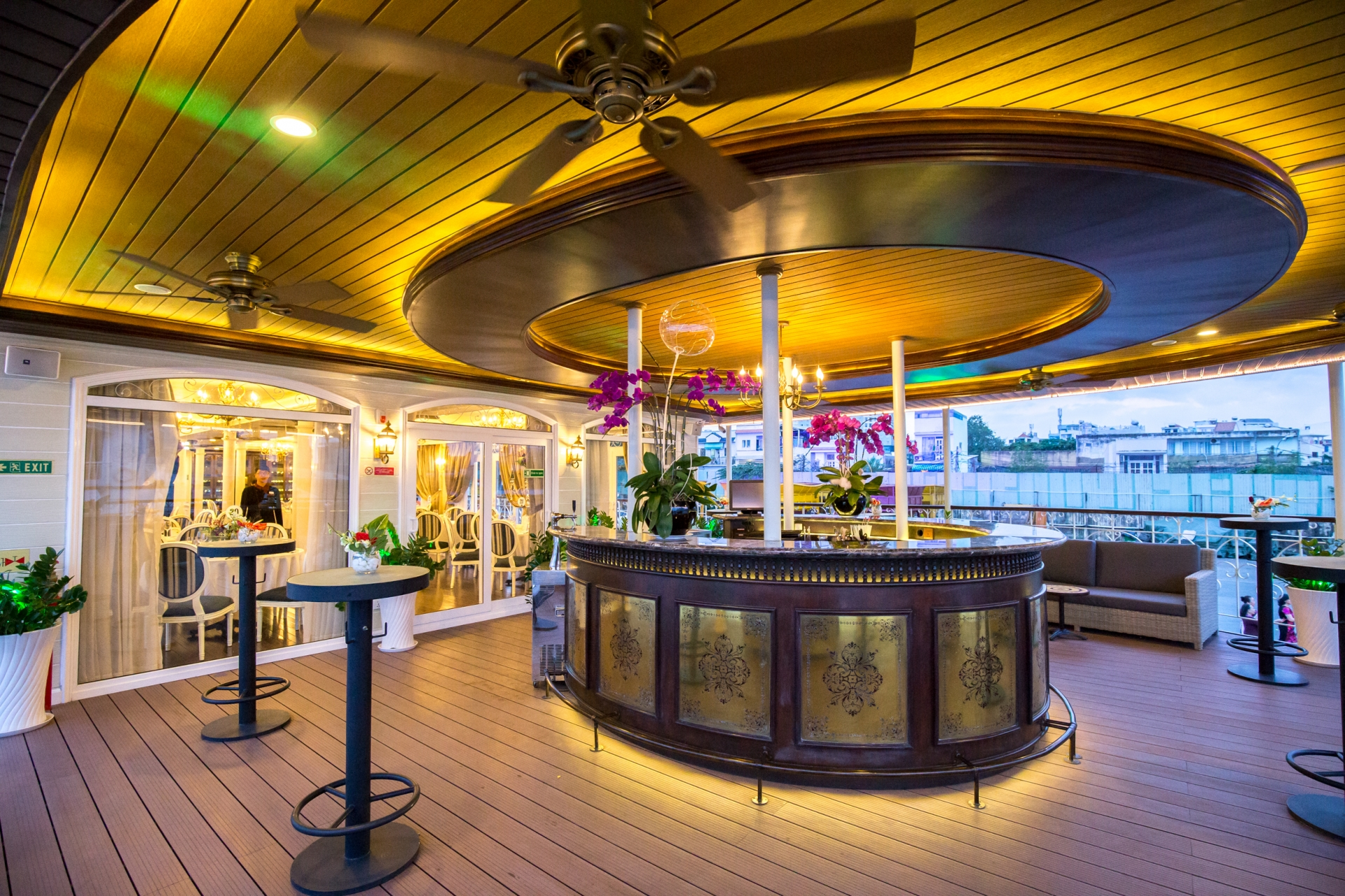 Saigon Princess offers unique fine-dining experience and cruise