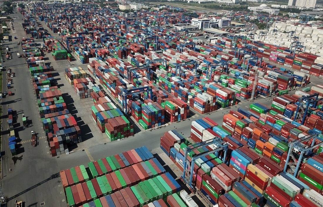 Ho Chi Minh City mulling delaying seaport fee collection