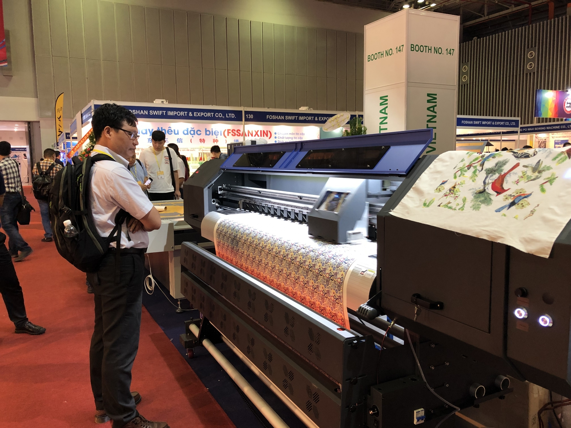 Textile, garment and footwear expos underway in Ho Chi Minh City