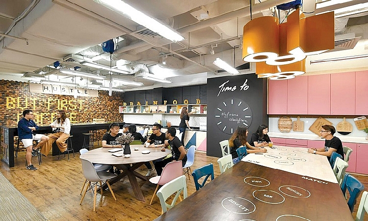 co working spaces in hanoi hcmc see bright future
