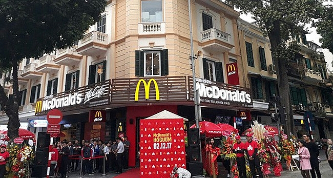 food safety and organic trends put mcdonalds on defensive