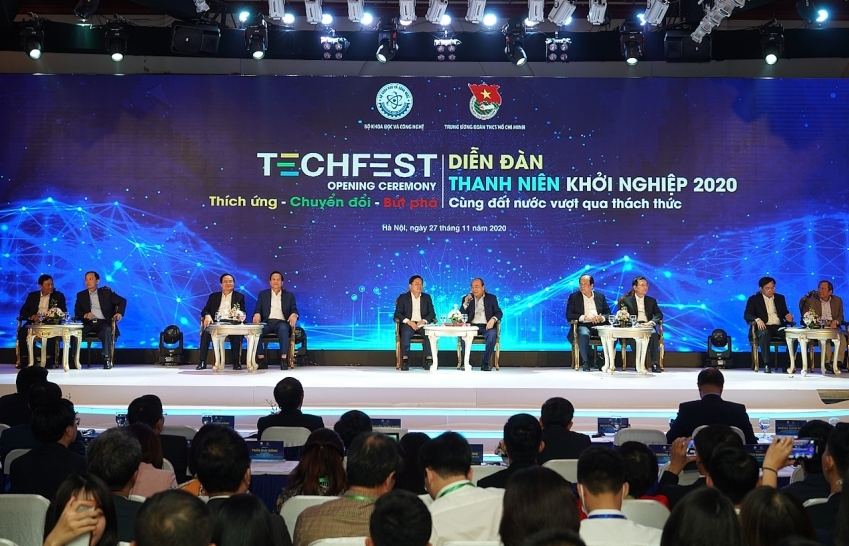 Making startups register business in Vietnam discussed at TECHFEST 2020