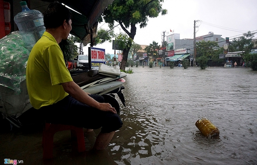 Danang flood to continue for several days more