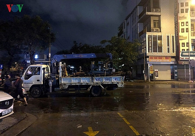 hundreds of vehicles under water at hoang anh gia lai apartment block